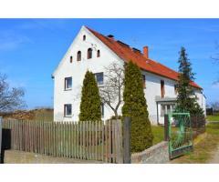 Poniemiecki dom w Niedaszowie, działka 2692m2, możliwość dokupienia drugiej działki